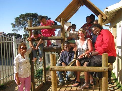 _10-kinderen-huis-kayamandi-en-2-gezondheidswerkers