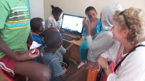 20170127_145829 weeshuis Kayamandi er is nu een computer