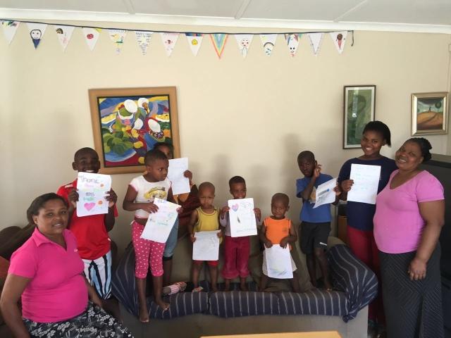 kindernevendienst
